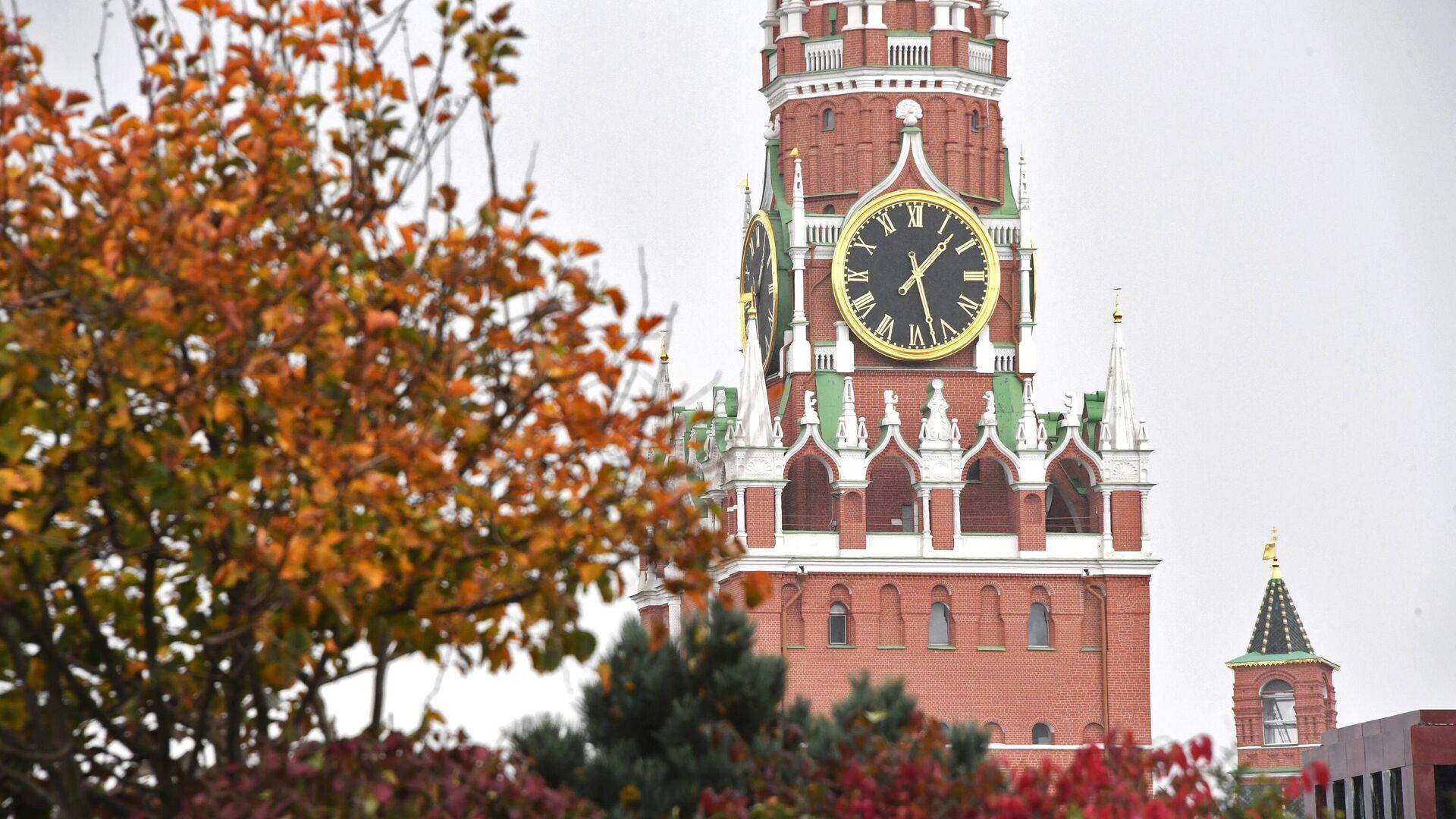 Спасская башня Московского Кремля - РИА Новости, 1920, 04.11.2020