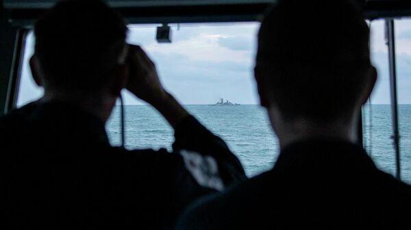 Британский патрульный корабль HMS Mersey сопроводил отряд из трех кораблей российского Балтийского флота, следовавших вдоль берегов Великобритании к проливу Ла-Манш