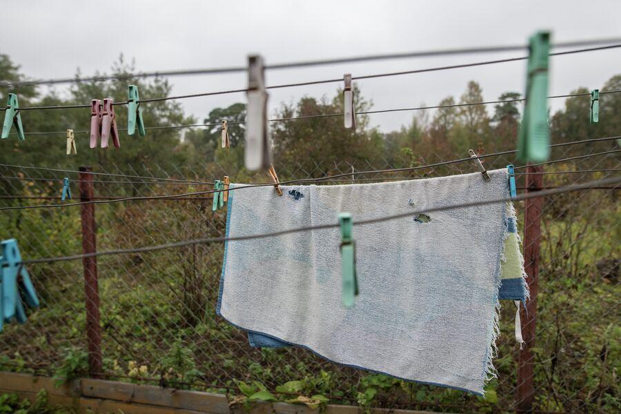 Во дворе сушится белье