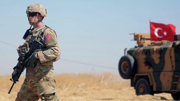 Совместный патруль военных США и Турции в Сирии
