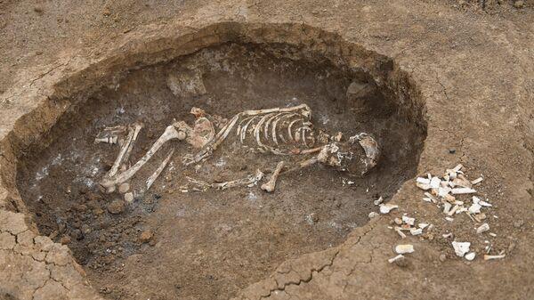 Захоронение женщины умершей при родах, датируемое серединой 2-го тысячелетием до н. э.