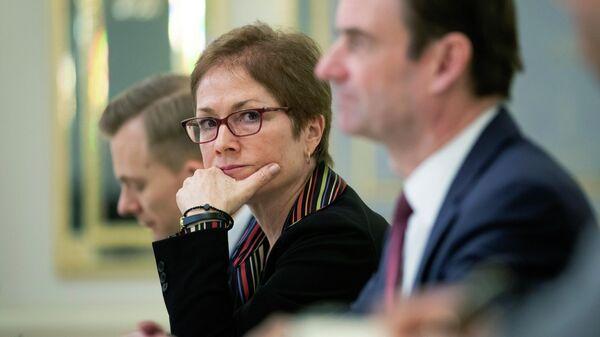 Посол США на Украине Мари Йованович на встрече с президентом Украины. 6 марта 2019