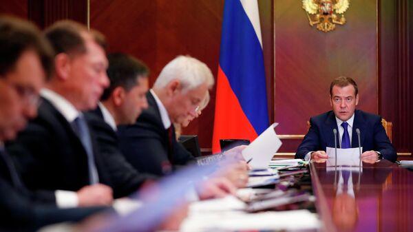 Дмитрий Медведев проводит заседание президиума Совета при президенте РФ по стратегическому развитию и национальным проектам