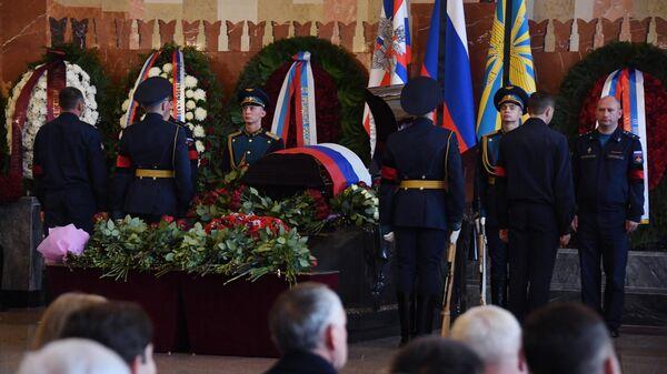 Церемония прощания с летчиком-космонавтом СССР, дважды Героем Советского Союза генерал-майором авиации Алексеем Леоновым
