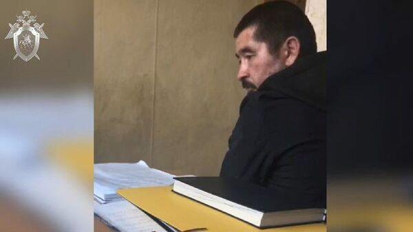 Кадры следственных действий с подозреваемым в убийстве женщины в Екатеринбурге