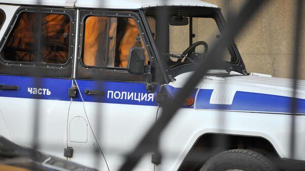 В Оренбурге на детской площадке задержали мужчину с топором