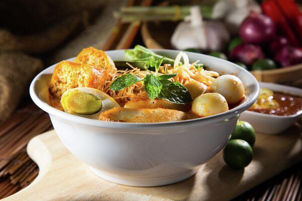 Традиционный малазийский суп Карри Лакса