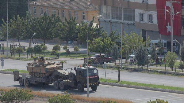 Турецкая военная техника в районе границы с Сирией. 18 октября 2019
