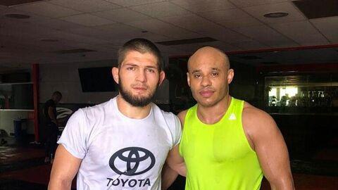 Хабиб Нурмагомедов (слева) и Али Абдель-Азиз (справа)