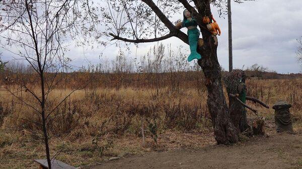 Аллея в селе Новом Макаровского района Сахалинской области
