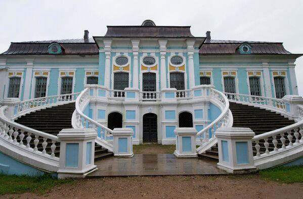 Вид на усадьбу дворян Грибоедовых в Смоленской области