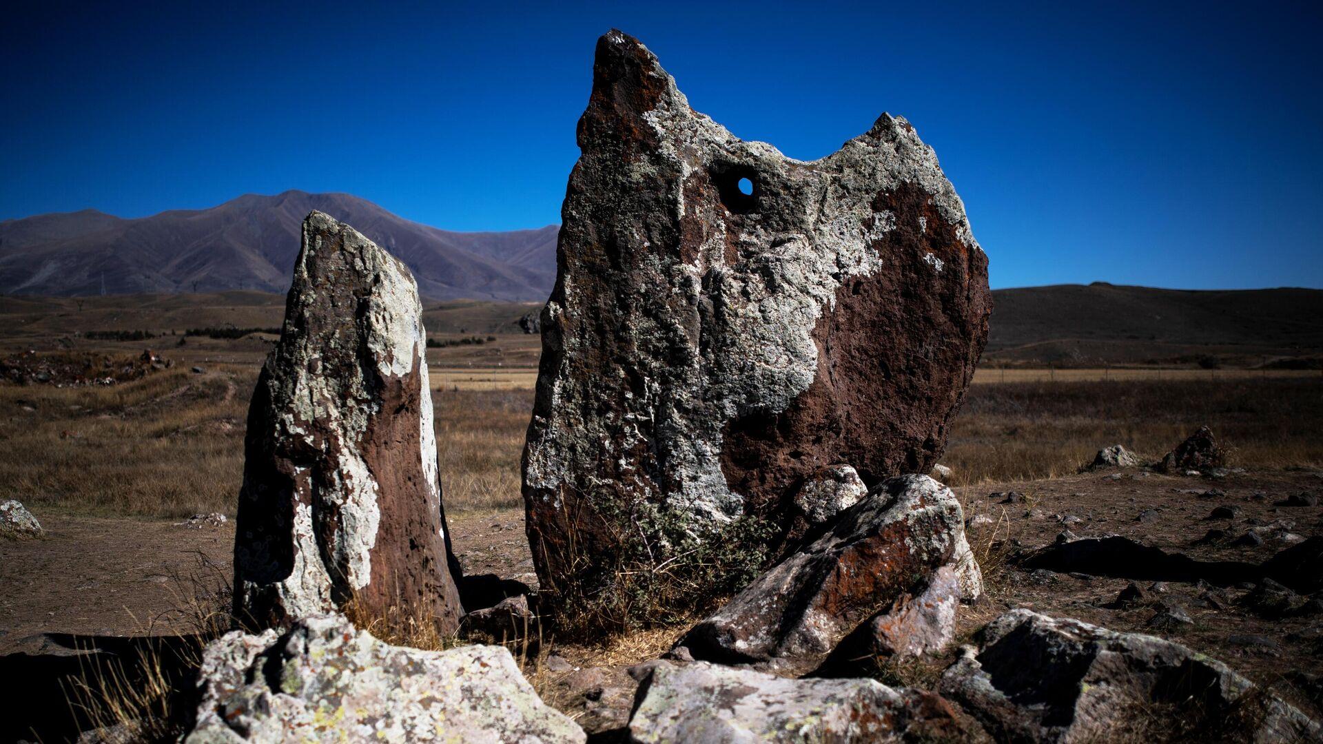 Мегалитический комплекс Караундж находится на юге Армении, вблизи города Сисиан - РИА Новости, 1920, 24.07.2021
