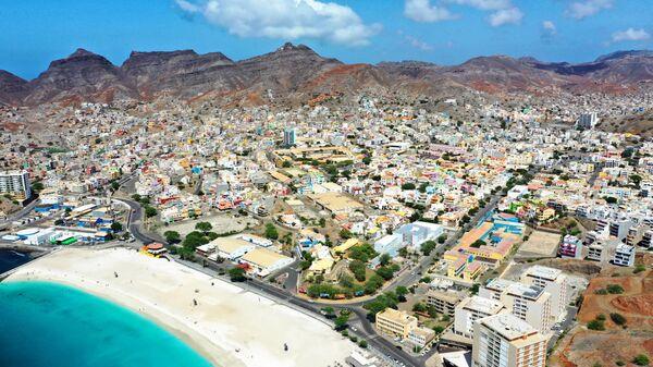 Город Минделу на острове Сан-Висенте Республики Кабо-Верде