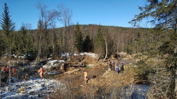 На месте прорыва дамбы в Курагинском районе Красноярского края