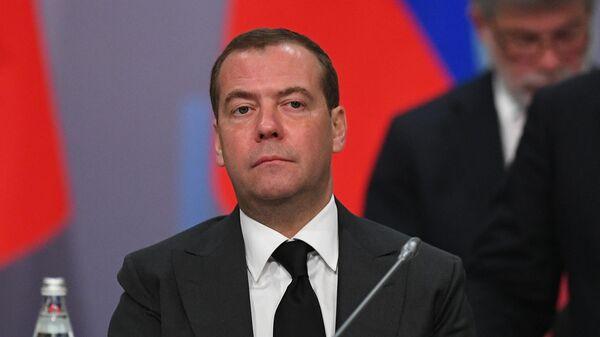 Председатель правительства РФ Дмитрий Медведев на заседании Совета глав правительств СНГ