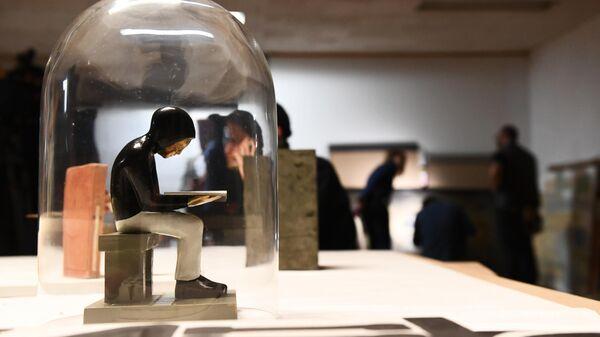 Работа современного художника, переданная в дар Третьяковской галерее.