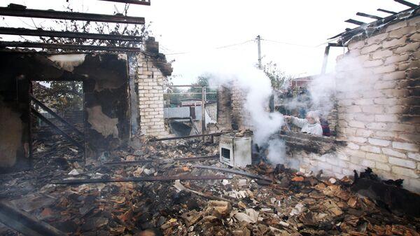 Дом в Донецке, разрушенный при обстреле