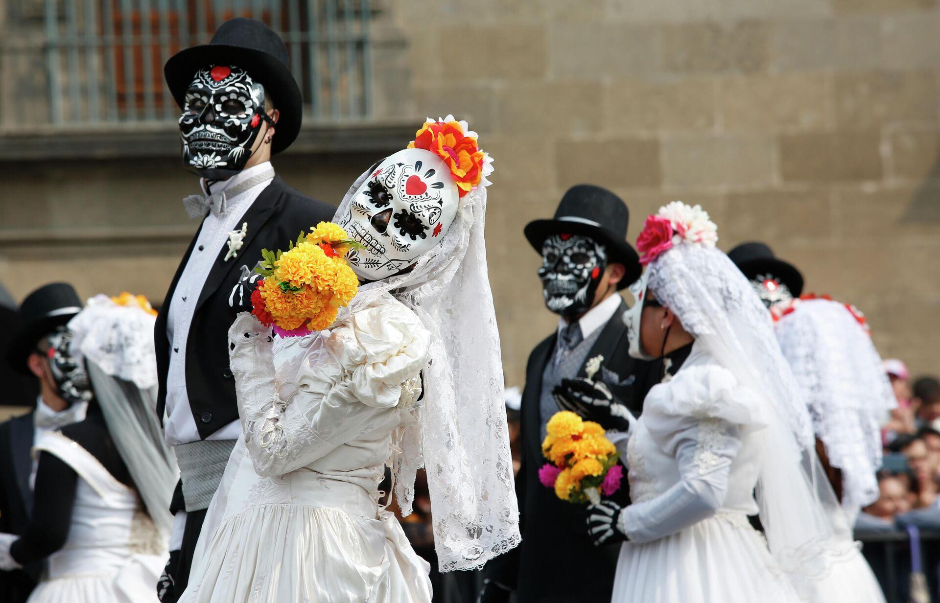 Парад в честь Дня всех мертвых в Мексике - ПРОФИ Новости, 1920, 29.10.2020
