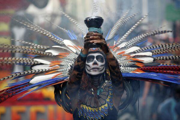Парад в честь Дня всех мертвых в Мексике