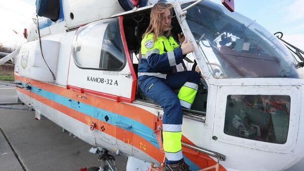 Авиатехник Московского авиационного центра Анна Вдовина