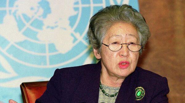 Верховный комиссар ООН по делам беженцев Садако Огата  во время пресс-конференции в Женеве. 20 ноября 1998