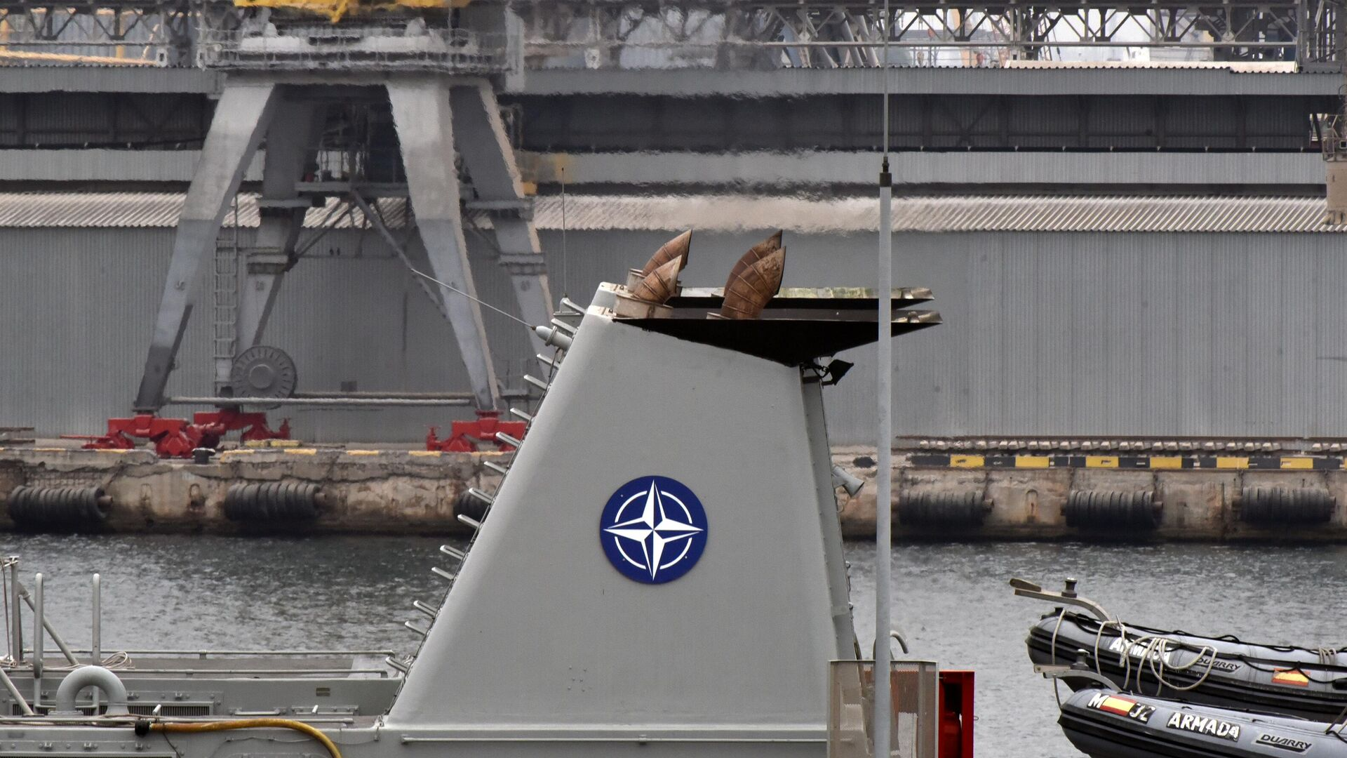 Главы МИД НАТО высказались за меры