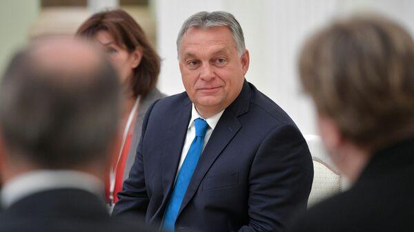 Картинки по запросу Плохо влияют на Трампа. Перед встречей Путина и Орбана разразился скандал