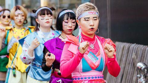 Косплейщицы на улице Харадзюку в Токио, Япония
