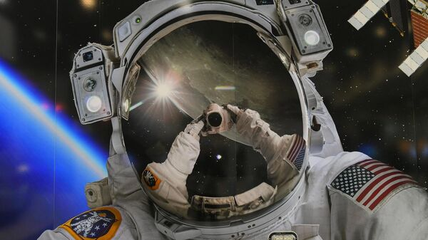 Скафандр астронавта NASA на выставке в рамках Международный конгресс астронавтики в Вашингтоне