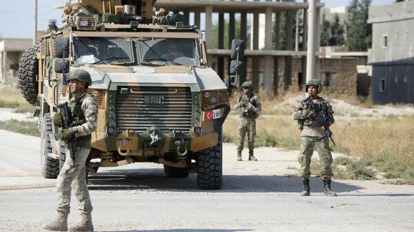 Турецкий патруль в районе сирийско-турецкой границы
