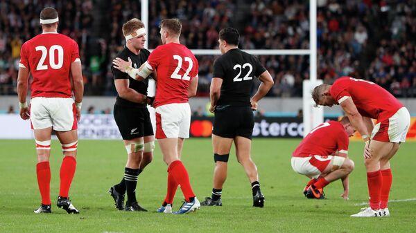 Сборные Новой Зеландии и Уэльса в матче за третье место на Кубке мира по регби