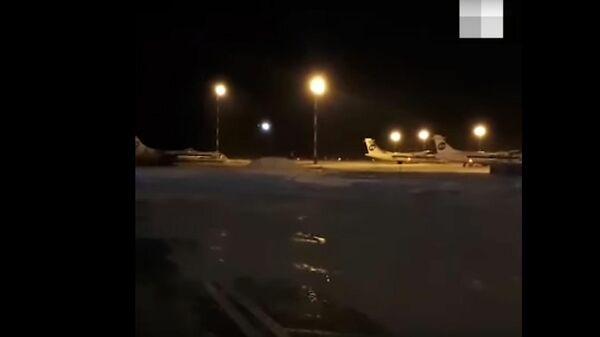 Момент посадки SSJ100 с отказавшим двигателем в Тюмени попал на видео