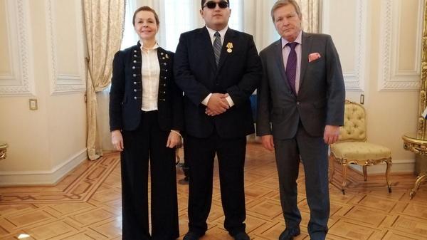 Мексиканцу, возвращавшему ордена ветеранам ВОВ, вручили российскую медаль