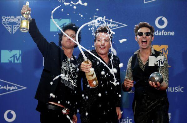 Участники группы Green Day на церемонии награждения MTV Europe Music Awards