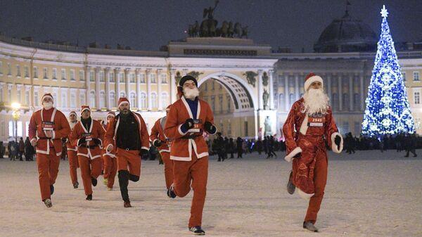 Забег Дедов Морозов в Санкт-Петербурге