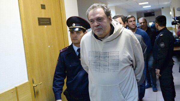 Бывший директор департамента управления имуществом и инвестиционной политики министерства культуры РФ Борис Мазо в суде
