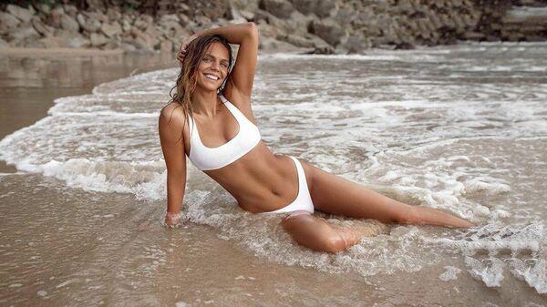 Юлия Ефимова вновь порадовала подписчиков горячим фото с пляжа
