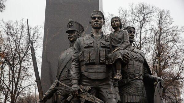 Памятник сотрудникам и военнослужащим Росгвардии, погибшим при исполнении служебного долга, открытый в Рязани