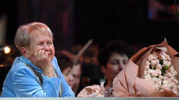 Народная артистка СССР, композитор Александра Пахмутова на концерте в честь своего юбилея на сцене Большого театра России