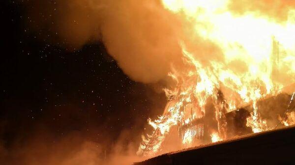 Кролики и козы сгорели при пожаре в городе Урай в Ханты-Мансийском АО. 14 ноября 2019