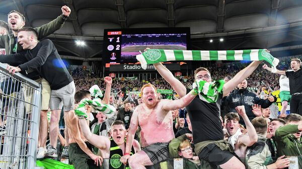 Фанаты шотландского футбольного клуба Селтик
