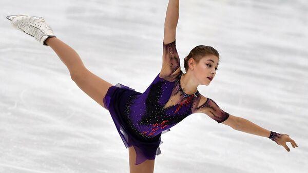 Алёна Косторная (Россия) выступает с произвольной программой в соревнованиях среди женщин на турнире Finlandia Trophy 2019 по фигурному катанию в Эспоо.