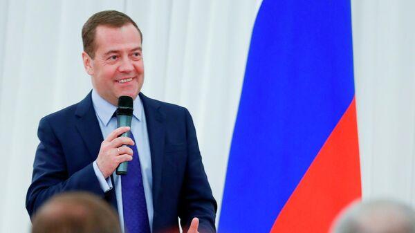 Председатель правительства России Дмитрий Медведев проводит рабочую встречу с активом местных и первичных отделений партии Единой России
