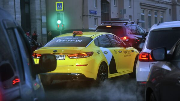 Автомобиль службы Яндекс Такси