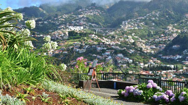 Город Фуншал на острове Мадейра.