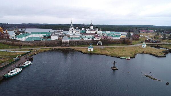 Вид на Спасо-Преображенский Соловецкий монастырь на Соловецком острове в Архангельской области