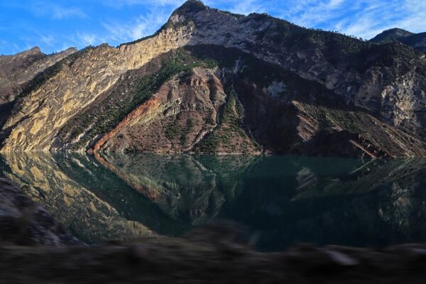 Карадахское ущелье у Гоцатлинского водохранилища в Республике Дагестан