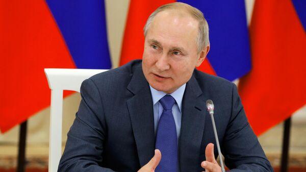 Президент России Владимир Путин проводит в Нальчике заседание Совета при президенте по межнациональным отношениям