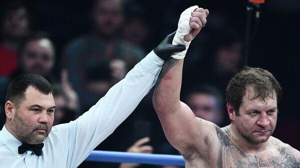 Александр Емельяненко (Россия) после поединка против Михаила Кокляева