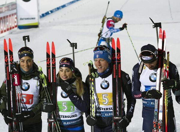 Слева направо: Лиза Виттоцци, Доротея Вирер, Лукас Хофер и Доминик Виндиш